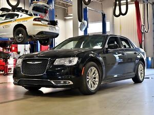 2017 Chrysler 300 TOURING * TOIT PANO * CUIR * GPS * CAMERA *