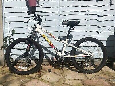 apollo wham bike, 20inch wheels, white with red graphics, kids bike, geared,