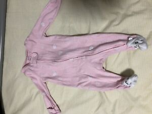 Used baby clothes NB and 0-3 3$ each