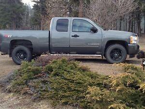 REDUCED! 2011 Chevrolet Silverado Z71