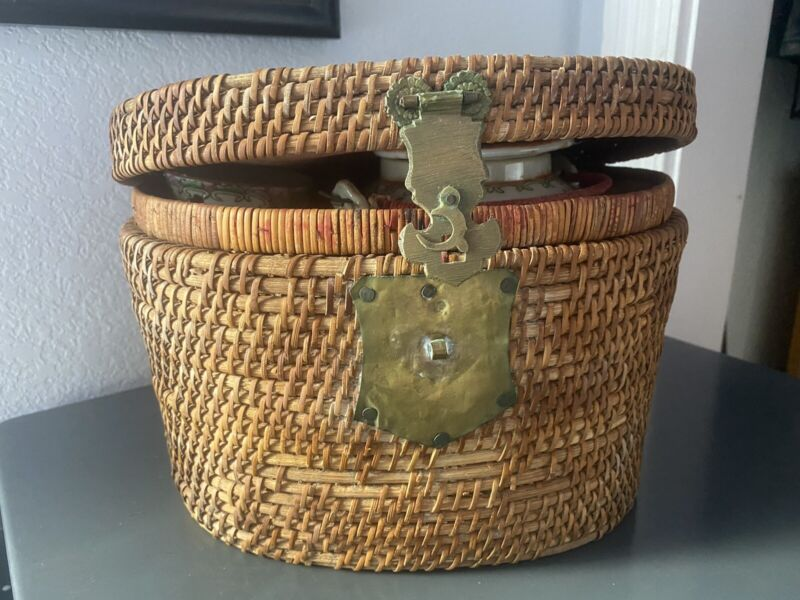 Antique Chinese Porcelain Travel Picnic Tea Set in Woven Basket 1850 - 1899