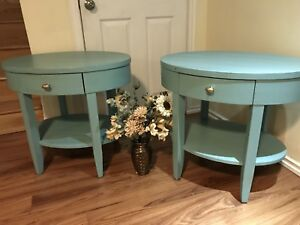 GORGEOUS Accent 2x Side Table with drawer - 120$ both