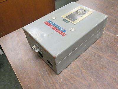 Allen-bradley Enclosed Size 2 Starter 709caa 120v Coil Used