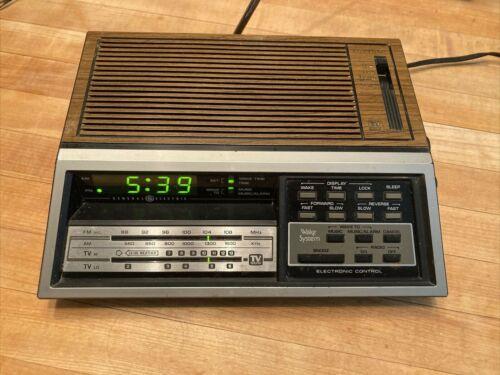 Vintage 1982 General Electric GE 7-4687A AM/FM/TV Sound Clock Radio - Tested