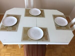 DINING ROOM SET FOR 4.... 100$