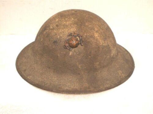Original U.S. WW1 M17 helmet,  USMC badge, ZC198