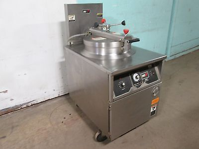 """B K I - FKM-F"" COMMERCIAL HD LARGE CAPACITY 208V 3Ph ELECTRIC PRESSURE FRYER"