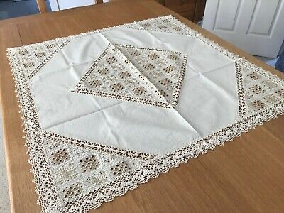LINEN TABLE CLOTH CROCHETED BORDER AND EMBROIDERED