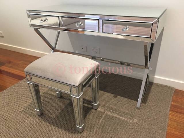 3 drawers mirrored dressing vanity makeup table mirror for Gumtree beauty table