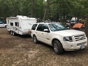 Combo sale 2008 Ford Expedition V8 5.4 L and 2007 camper