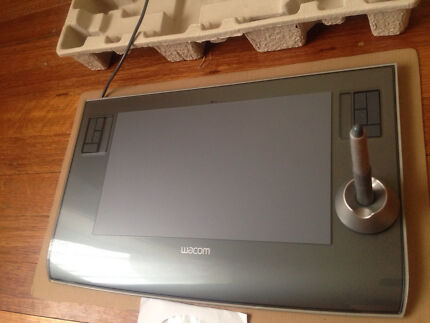 Wacom Large A5 , 6 X 11 intuos drawing tablet