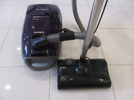 WERTHEIM SUPERSYSTEM 1600 BAGGED WITH POWERHEAD VACUUM CLEANER IN