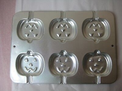 WILTON Halloween Jack O Lantern Pumpkin Lollipop Cake Pop Cookie Mold Pan 1995*](Halloween Cake Pop Pans)