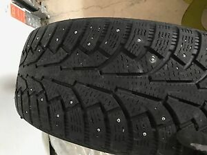 2011 Mercedes ML350 winter Nokian studded tires 35/55R18 West Island Greater Montréal image 3