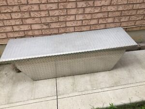 Toolbox for pickup truck