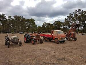 CLEARING SALE TRACTOR FARM EQUIPMENT Echuca Campaspe Area Preview