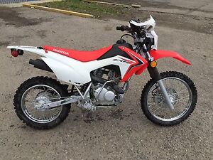 2015 Honda CRF125F Lady owned and ridden. Mint Condition!!