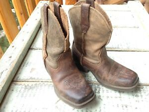 Boys Ariat Cowboy Boots (Like New)