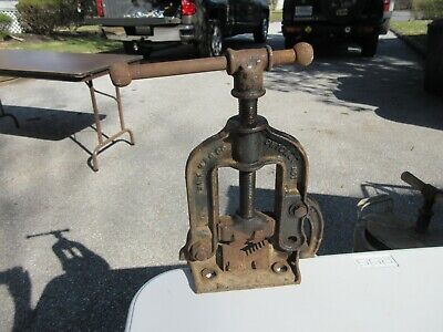 Vintage Mark Mfg Co Chicago No. 1 Pipe Vise Bench Mount Pipe Fitting Plumbing