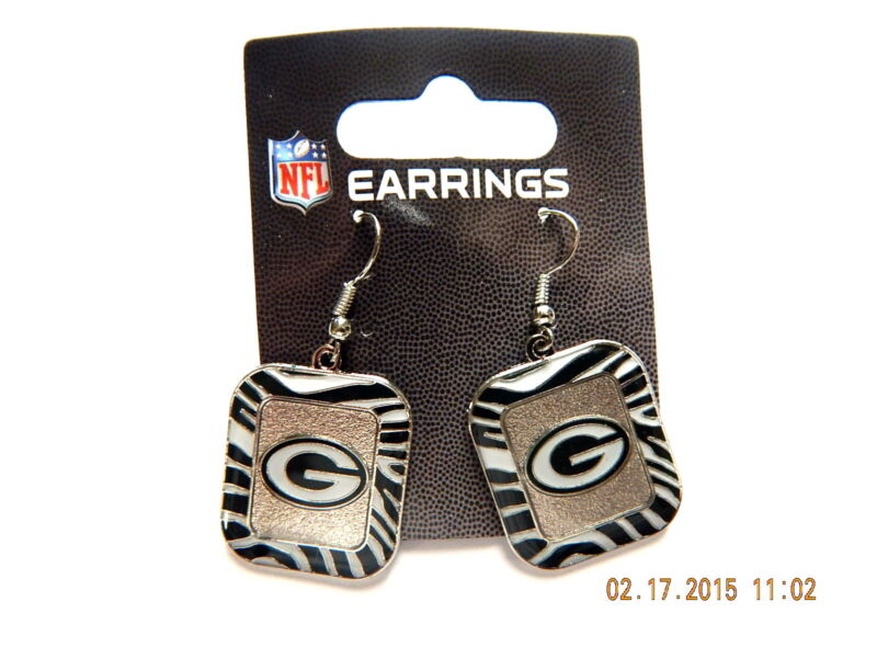 NFL GREEN BAY PACKERS ZEBRA TRIMMED DANGLER EARRINGS