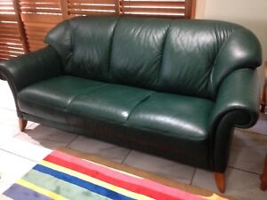 Swell 3 Piece Leather Lounge Suite In Excellent Condition Sofas Alphanode Cool Chair Designs And Ideas Alphanodeonline