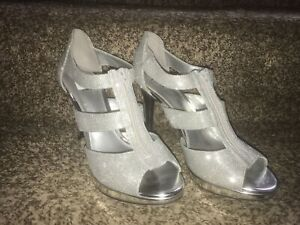 8.5 size high heel shoes!