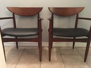 Mid century modern walnut and leather dining chairs by Lane