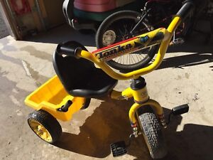 TONKA DUMP TRUCK TRICYCLE
