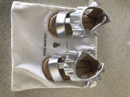 Country Road baby girl sandals