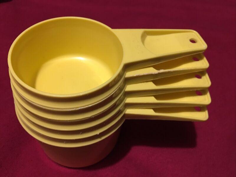 Set of 5 Vintage Tupperware Measuring Cups Harvest Gold Mustard Yellow