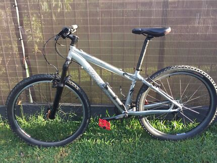 "SPECIALIZED ROCKHOPPER 15"" small"
