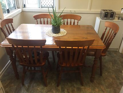 Six seater dining table glass top