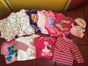 Clothes size 0/3 months girl