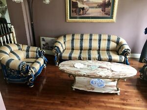 Quick sell ! Unique sofa set from DUBAI