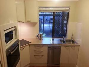 Flatshare in beautifully renovated lake-side apartment (Wembley) Perth Perth City Area Preview