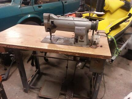Singer Industrial Sewing Machine Chambers Flat Logan Area Preview