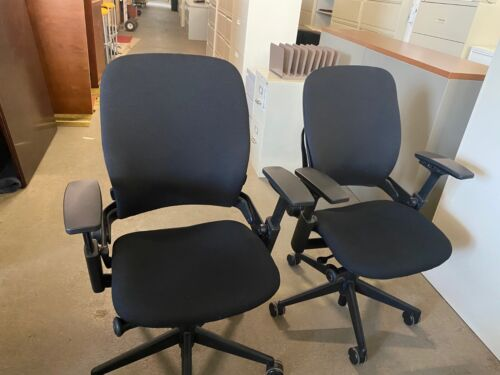 EXECUTIVE CHAIR by STEELCASE LEAP V2 in BLACK COLOR *REFURBISHED*