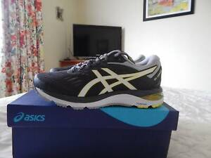 Asics Gel Cumulus 20 shoes, womens size 8 US, new in box, grey