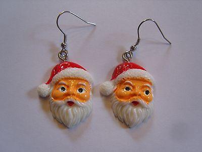 Ohrring Weihnachtsmanngesicht mit Vollbart rote Mütze ca.3 cm aus Kunststoff 189
