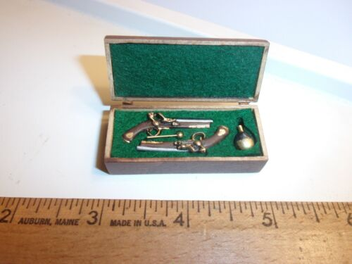 DUELING PISTOLS IN WOODEN CASE-HANDCRAFTED-TERRY HARVILLE - DOLL HOUSE MINIATURE