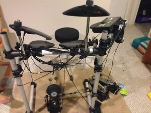 Yamaha DTX 500 electric drums for sale