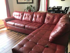 Grand sectionnel en cuir rouge