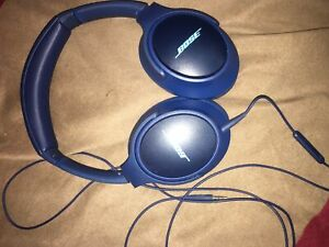 Bose Headphones With Carrying Case