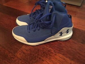 Brand new womens basketball shoes size 8