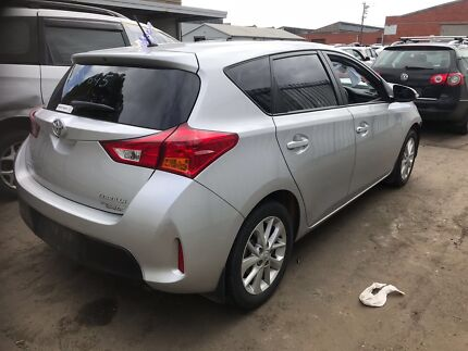 Wrecking 2014 Toyota Corolla Hatchback in Silver