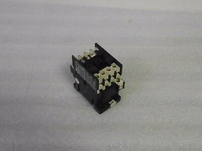 Klockner Moeller Contactor, DIL00M4, 20 Amp, 110-120 V Coil, Used, Warranty