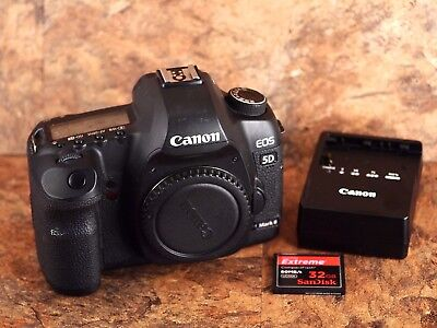 Canon EOS 5D Mark II Camera + 32GB Card