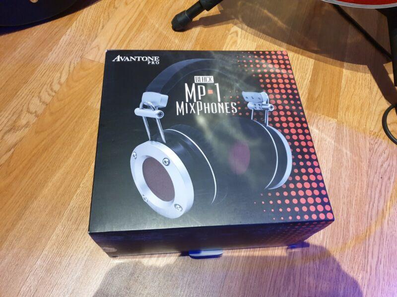 Avantone Pro MixPhones MP1 studio headphones
