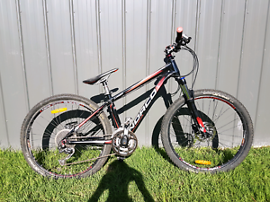 2012 Norco Charger mountain bike (S)