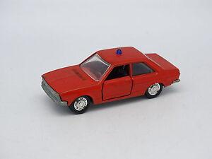 Schuco-1-66-Audi-80-Feuerwehr